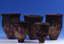 Kohoku-type pottery and Ebetsu-type (Ebetsubuto-type) pottery unearthed from the Ebetsubuto Site