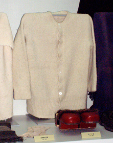 Cardigan knitted with homespun wool