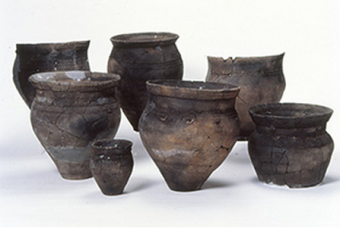 Okhotsk-type pottery