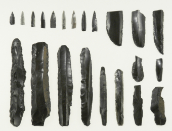 Blades and blade arrowheads unearthed at the Taisho 7 Site in Obihiro City